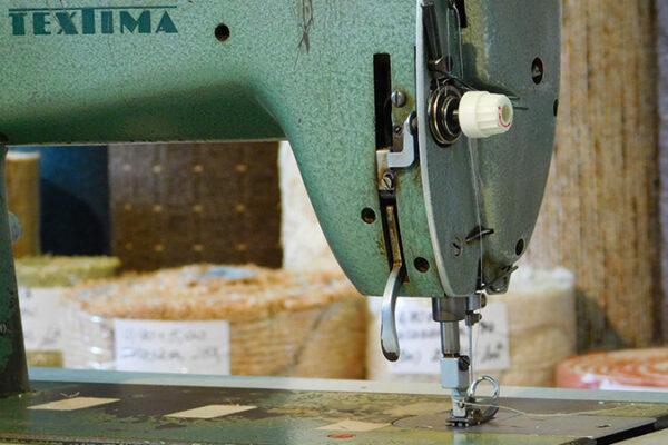 Sok éves gyakorlattal rendelkező varrónőink megvarrják a kiválasztott textiliát